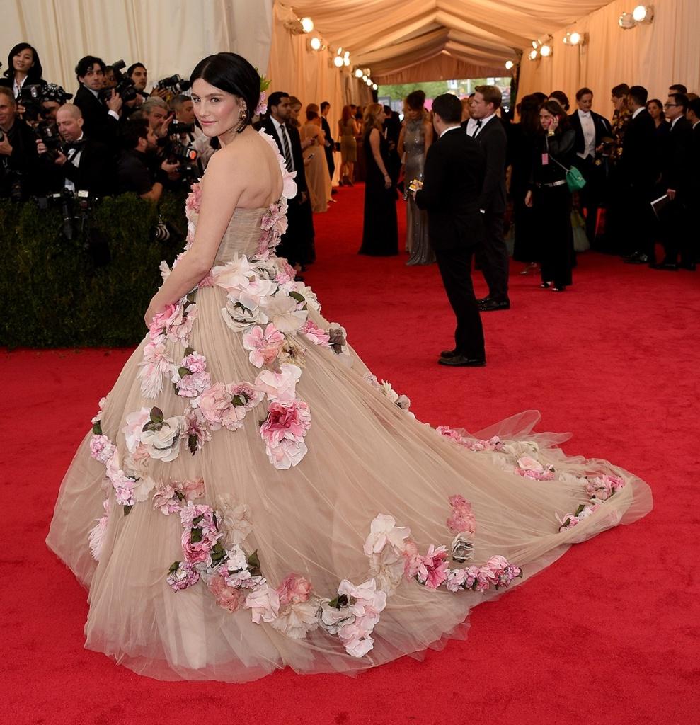 Tabitha Simmons in Dolce Gabbana Alta Moda