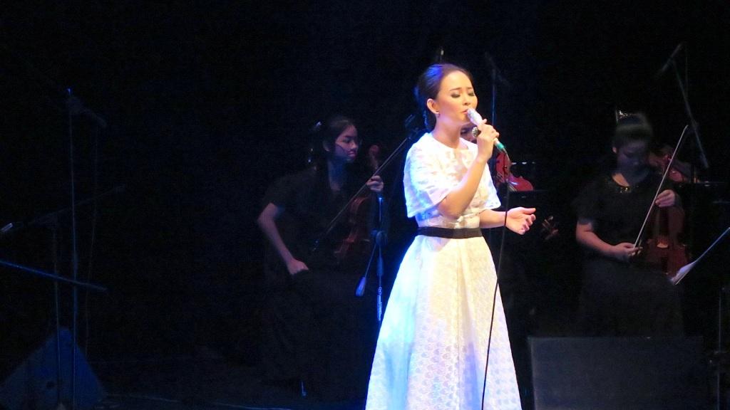 Winnie Ho